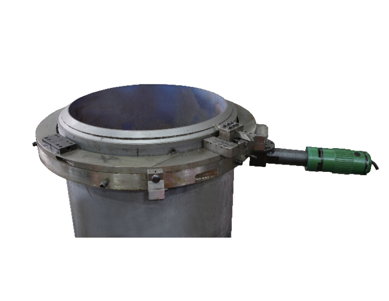 Small ISD Model electric split frame pipe beveling machine cold cutting beveler image